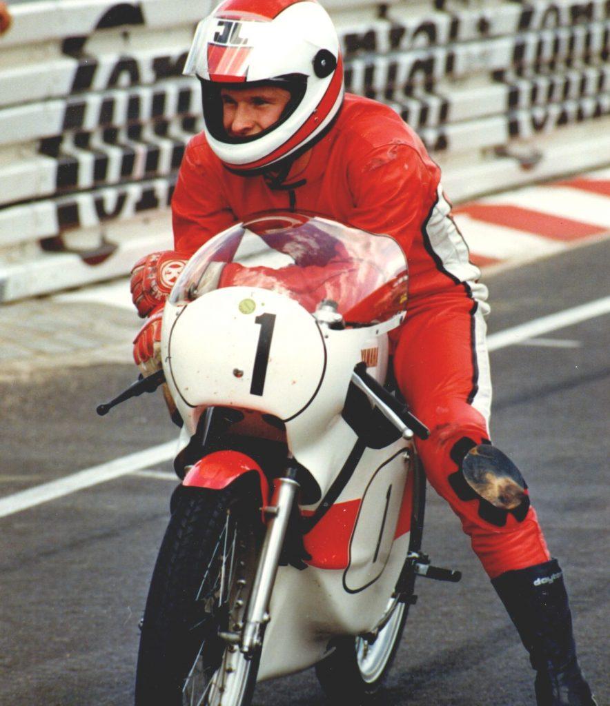 Yamaha TZ125 Start